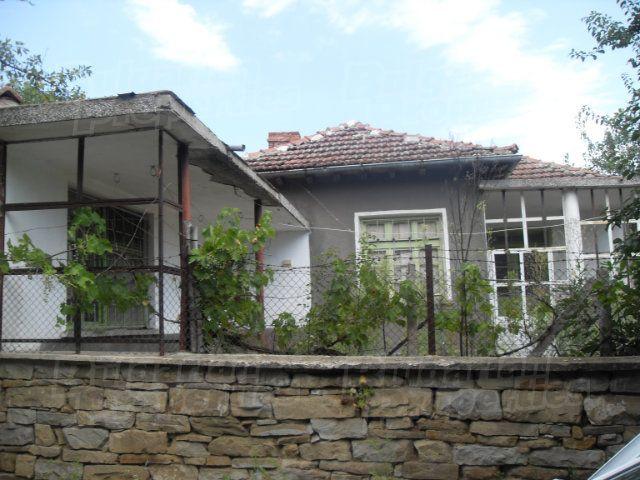 Дом в Бургасе, Болгария, 1924 м2 - фото 1