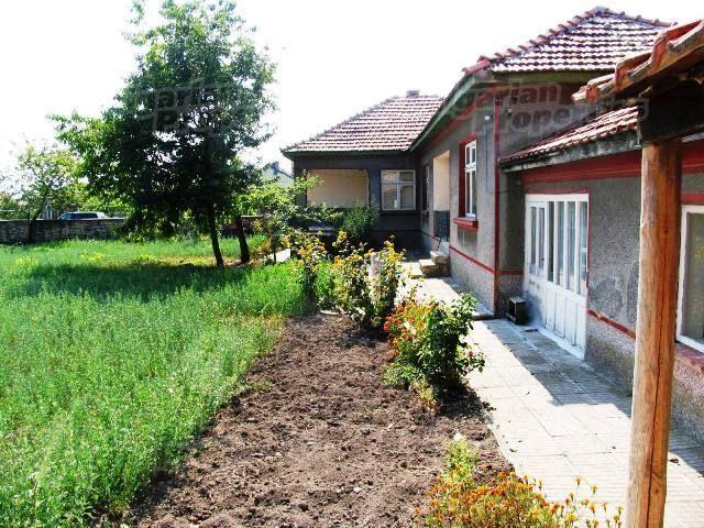 Дом в Варне, Болгария, 2000 м2 - фото 1