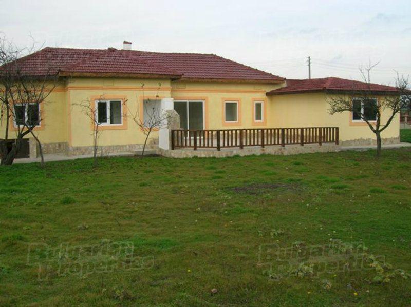 Дом в Добриче, Болгария, 2560 м2 - фото 1