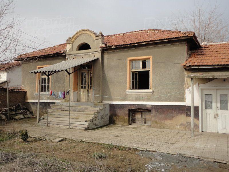 Дом в Стара Загоре, Болгария, 1560 м2 - фото 1