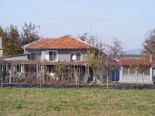 Дом в Стара Загоре, Болгария, 4412 м2 - фото 1