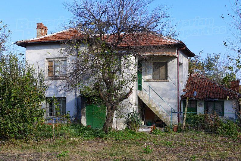 Дом в Стара Загоре, Болгария, 2000 м2 - фото 1