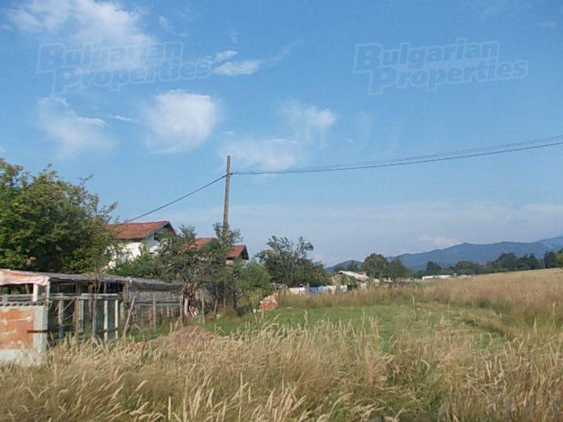 Земля в Ловече, Болгария, 2647 м2 - фото 1