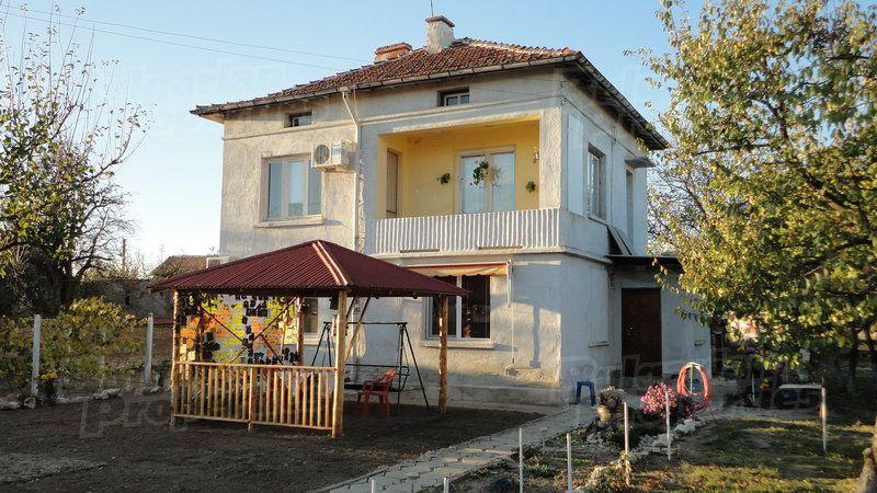 Дом в Стара Загоре, Болгария, 1870 м2 - фото 1