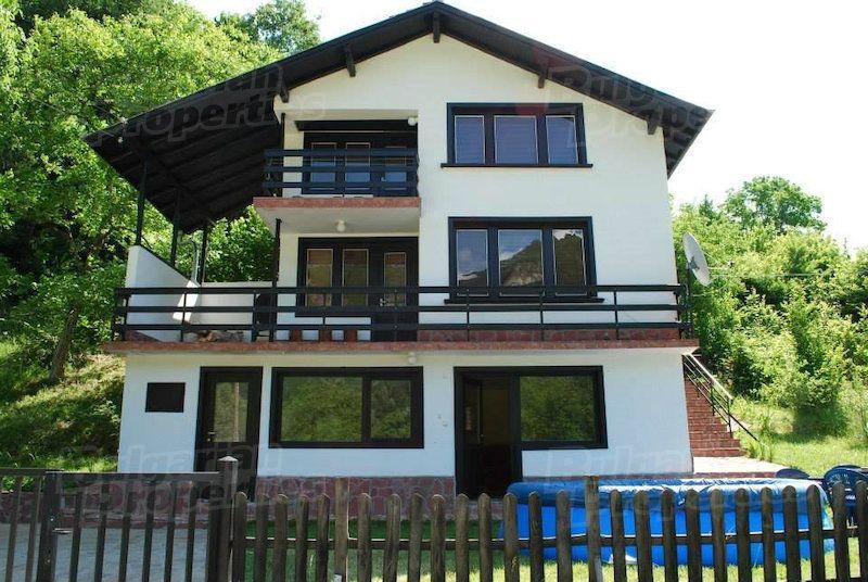 Дом в Ловече, Болгария, 690 м2 - фото 1