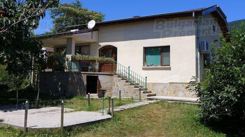 Дом в Стара Загоре, Болгария, 1493 м2 - фото 1