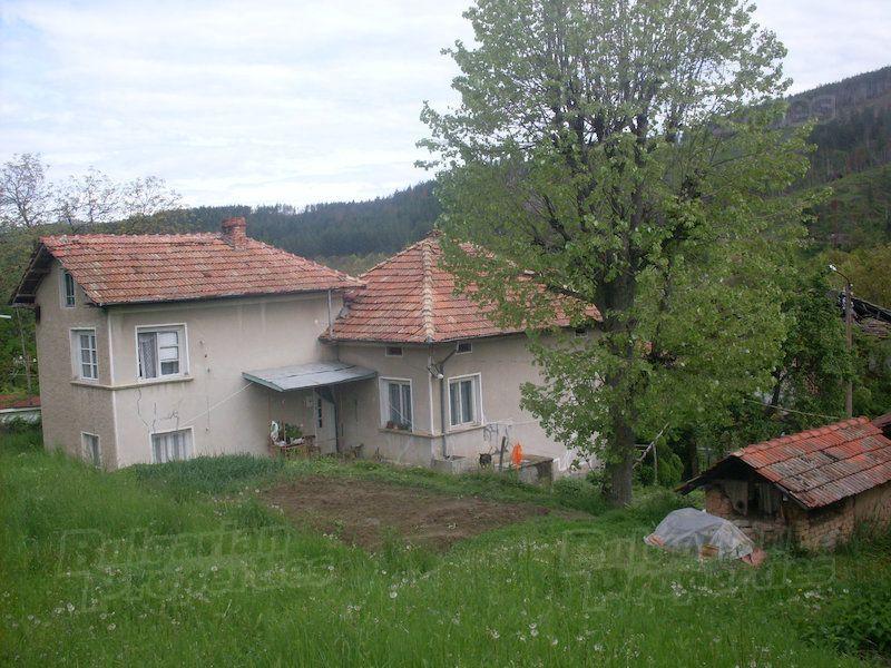 Дом в Ловече, Болгария, 1395 м2 - фото 1
