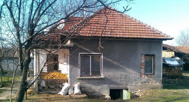Дом в Ловече, Болгария, 2400 м2 - фото 1