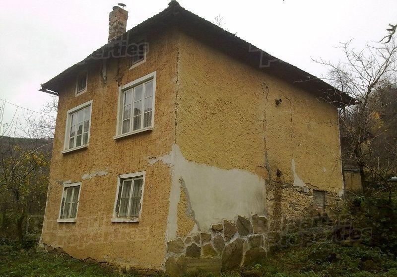 Дом в Габрово, Болгария, 1450 м2 - фото 1
