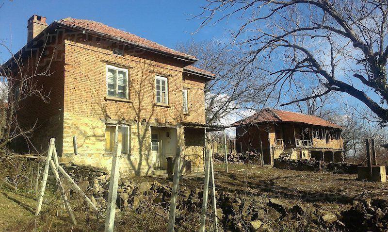 Дом в Габрово, Болгария, 1550 м2 - фото 1