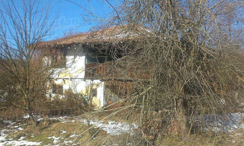 Дом в Велико Тырново, Болгария, 4460 м2 - фото 1
