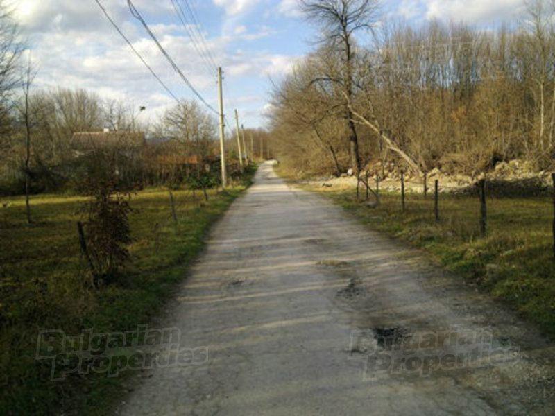 Земля в Ловече, Болгария, 927 м2 - фото 1
