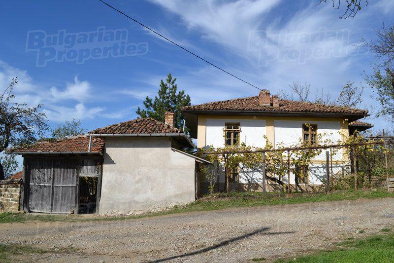 Дом в Велико Тырново, Болгария, 2753 м2 - фото 1