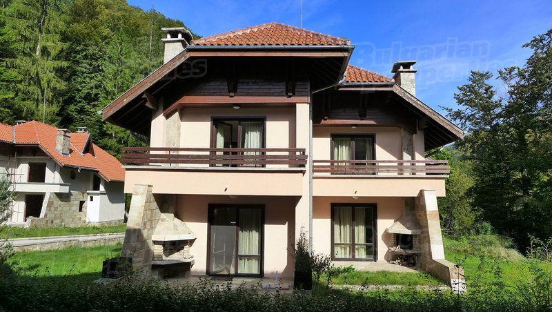 Дом в Ловече, Болгария - фото 1