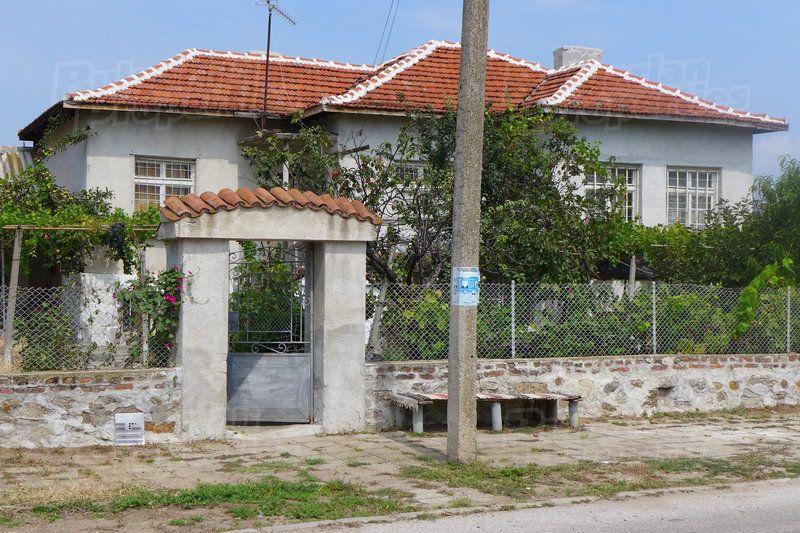 Дом в Стара Загоре, Болгария, 2343 м2 - фото 1