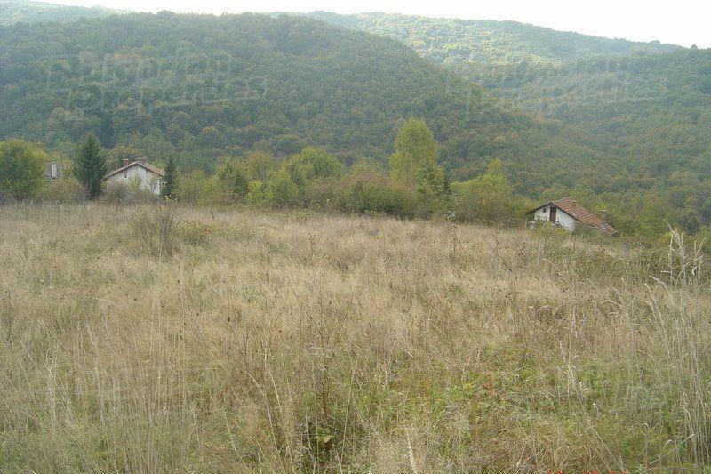 Земля в Велико Тырново, Болгария, 4100 м2 - фото 1