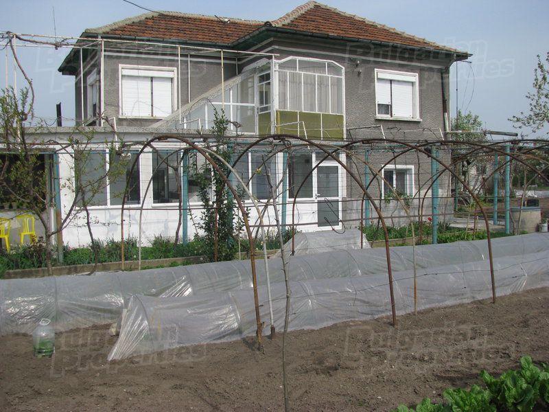 Дом в Стара Загоре, Болгария, 1365 м2 - фото 1