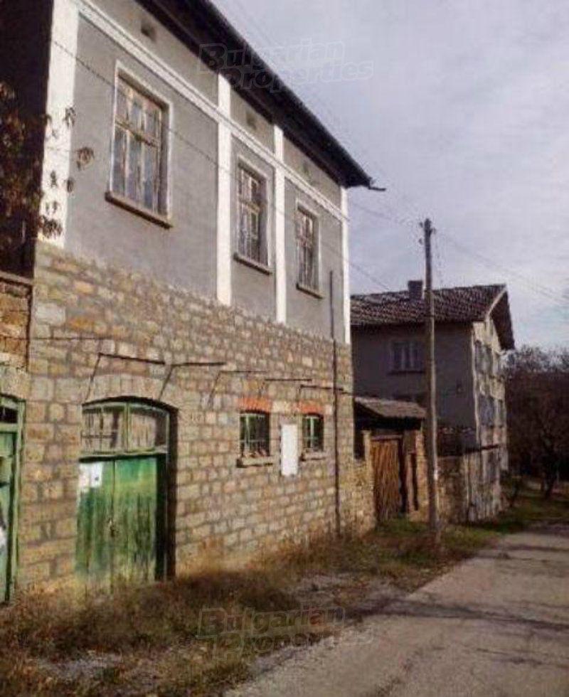 Дом в Ловече, Болгария, 800 м2 - фото 1