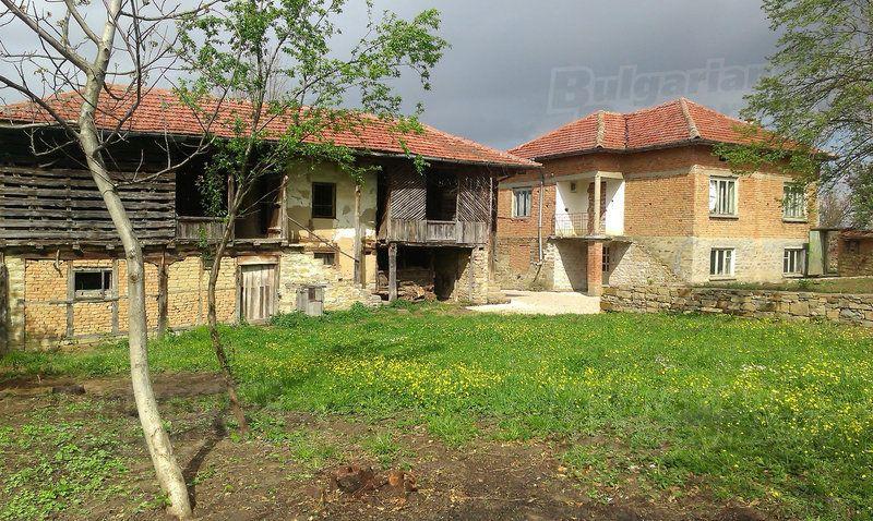 Дом в Велико Тырново, Болгария, 3620 м2 - фото 1