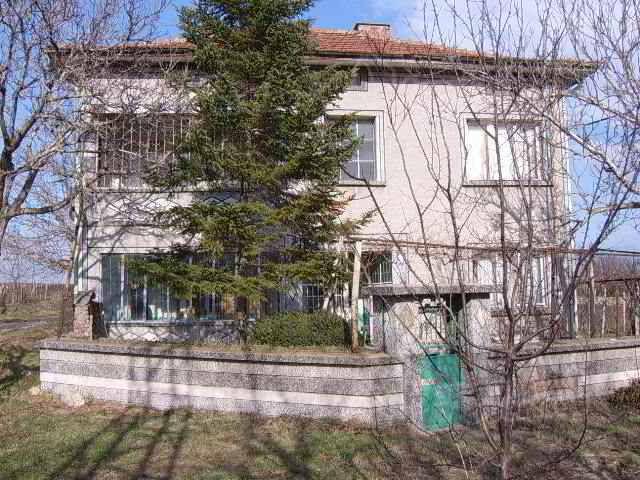 Дом в Стара Загоре, Болгария, 1740 м2 - фото 1