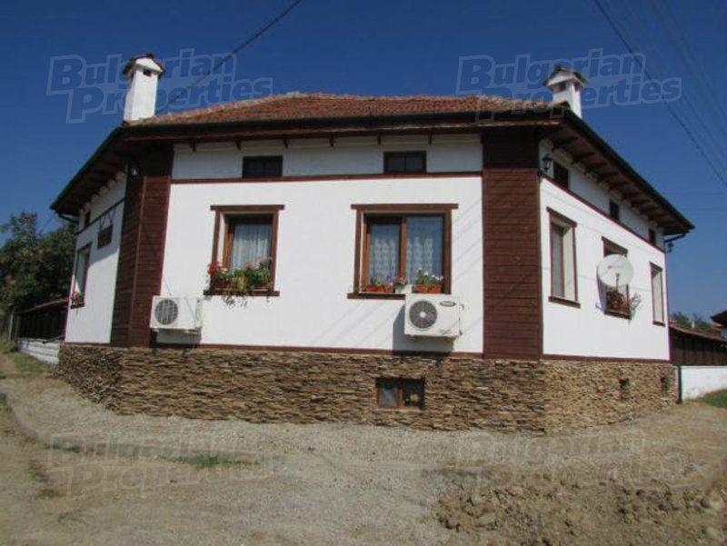 Дом в Велико Тырново, Болгария, 920 м2 - фото 1