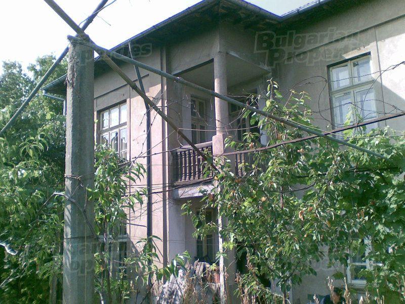 Дом в Ловече, Болгария, 200 м2 - фото 1