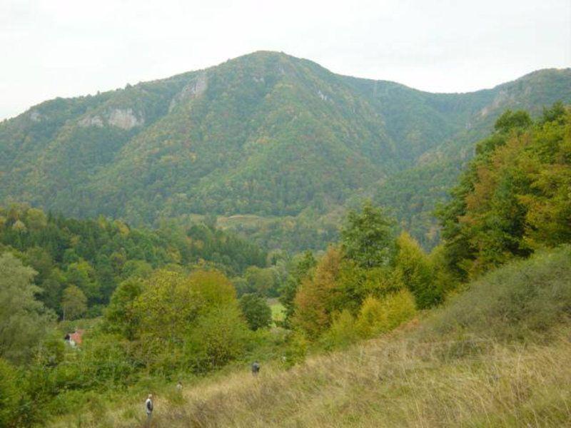 Земля в Ловече, Болгария, 3365 м2 - фото 1