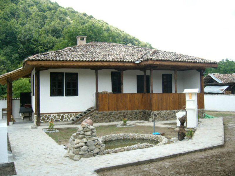 Дом в Велико Тырново, Болгария, 1380 м2 - фото 1