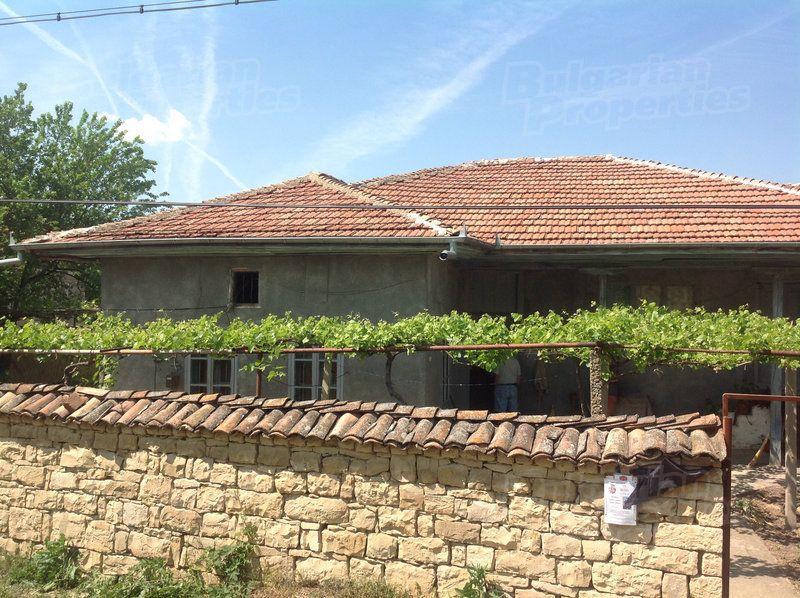Дом в Велико Тырново, Болгария, 1970 м2 - фото 1