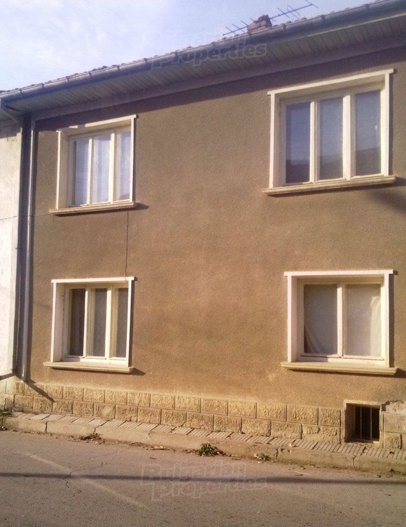 Дом в Ловече, Болгария, 182 м2 - фото 1