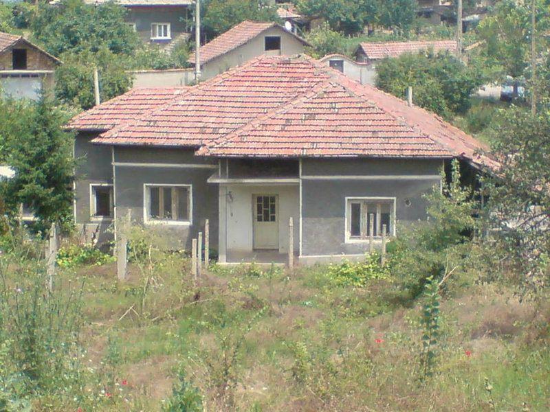 Дом в Велико Тырново, Болгария, 1420 м2 - фото 1