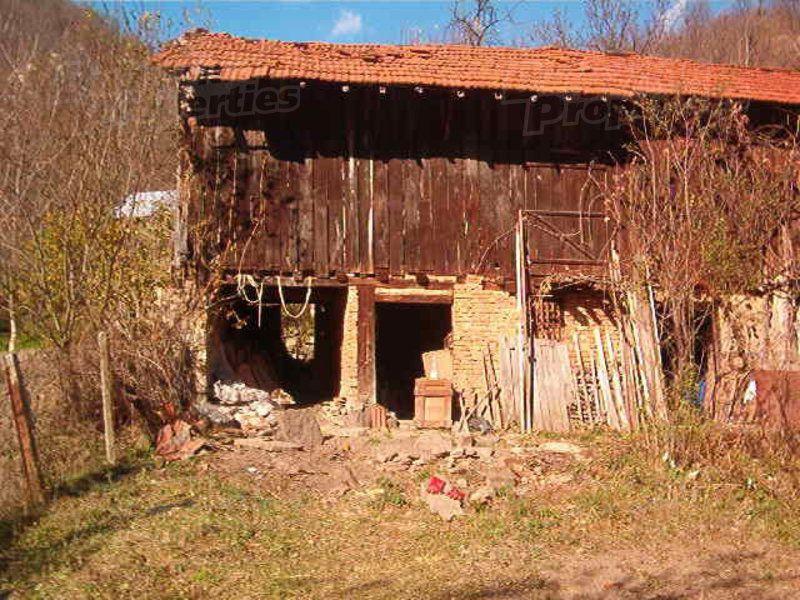 Земля в Ловече, Болгария, 388 м2 - фото 1