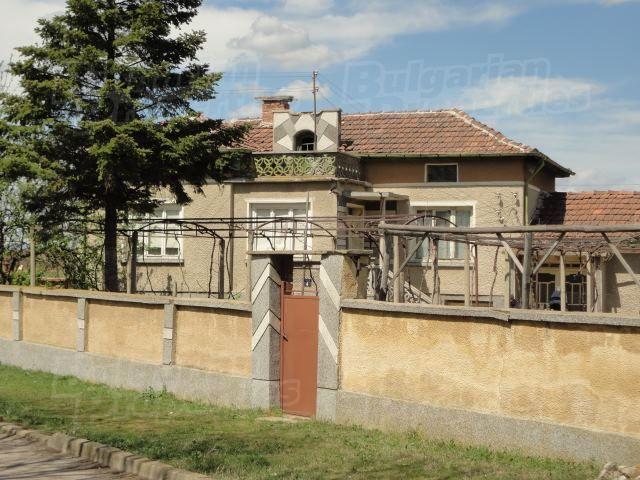 Дом в Стара Загоре, Болгария, 2200 м2 - фото 1