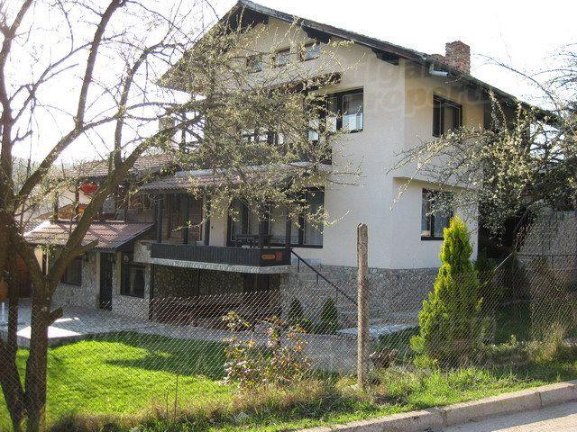 Дом в Ловече, Болгария, 1000 м2 - фото 1