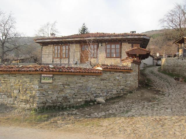Дом в Сливене, Болгария, 360 м2 - фото 1