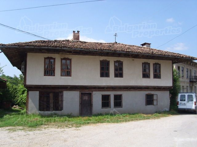Дом в Велико Тырново, Болгария, 342 м2 - фото 1