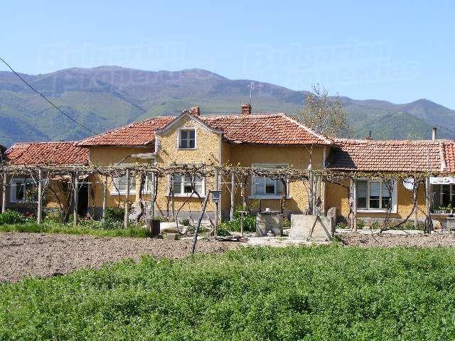 Дом в Стара Загоре, Болгария, 1840 м2 - фото 1