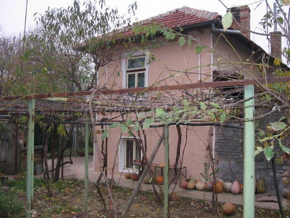 Дом в Велико Тырново, Болгария, 1680 м2 - фото 1