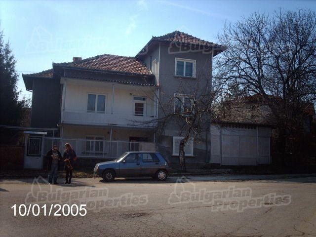 Дом в Ловече, Болгария, 220 м2 - фото 1
