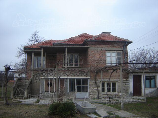 Дом в Сливене, Болгария, 2000 м2 - фото 1