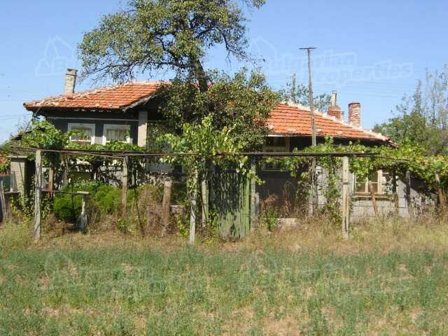 Дом в Сливене, Болгария, 2950 м2 - фото 1