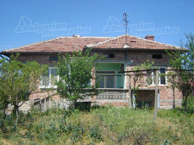 Дом в Сливене, Болгария, 1800 м2 - фото 1