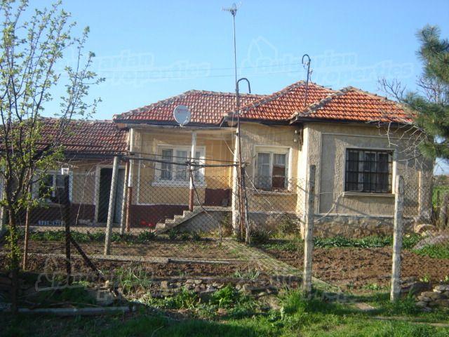 Дом в Сливене, Болгария, 2170 м2 - фото 1