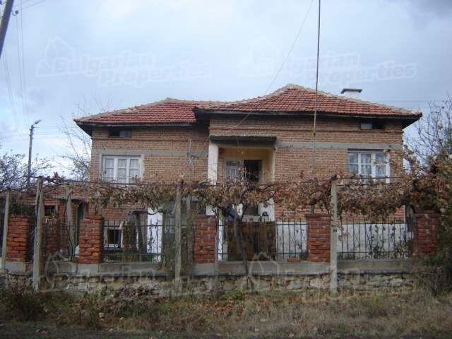 Дом в Сливене, Болгария, 3000 м2 - фото 1