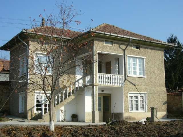 Дом в Велико Тырново, Болгария, 1740 м2 - фото 1