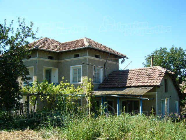 Дом в Велико Тырново, Болгария, 1580 м2 - фото 1