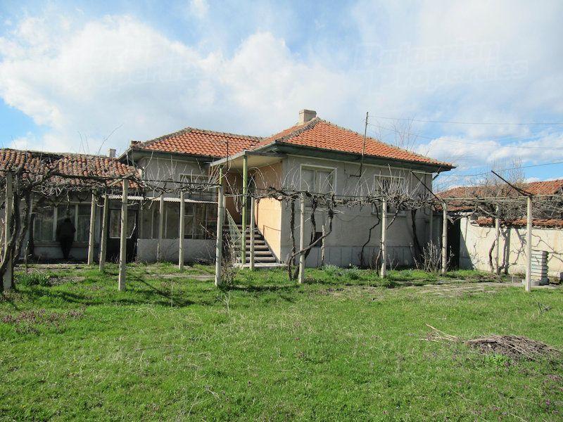 Дом в Пловдиве, Болгария, 1584 м2 - фото 1