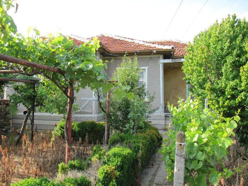 Дом в Пловдиве, Болгария, 2500 м2 - фото 1