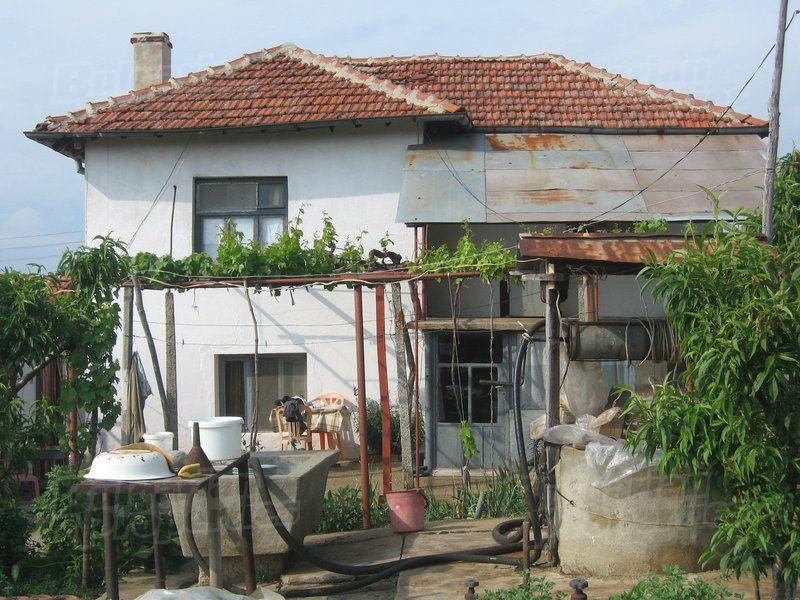 Дом в Ямболе, Болгария, 2300 м2 - фото 1
