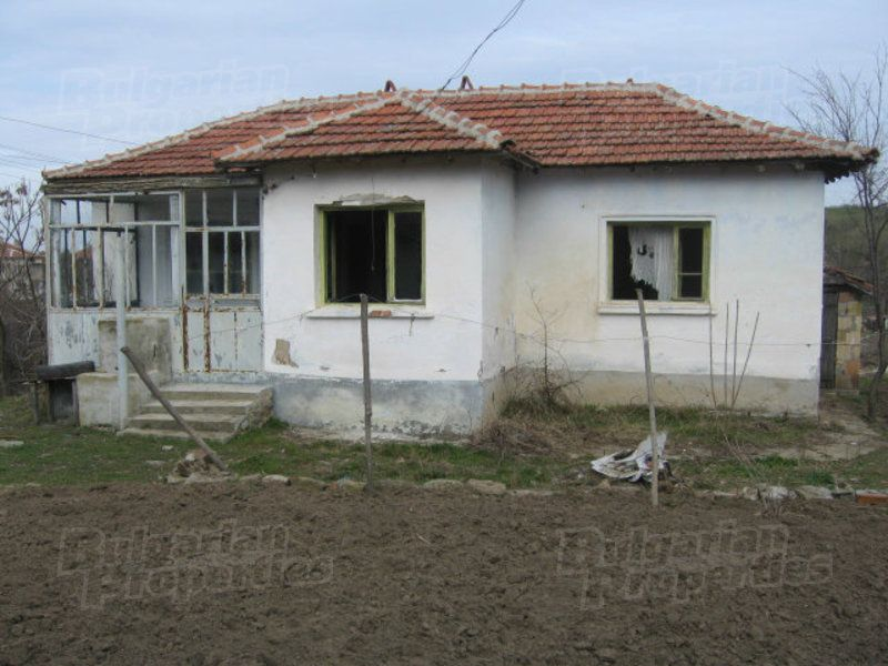 Дом в Ямболе, Болгария, 648 м2 - фото 1